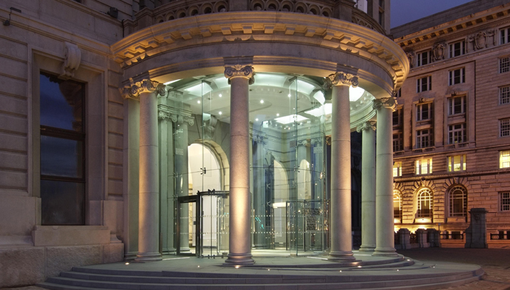Commercial Glazing - Liver building entrance